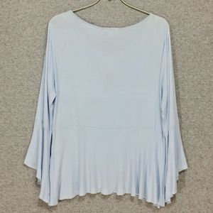 Lucky Brand Tops - Lucky Brand ~ Hi-Low Bell Sleeve Top